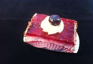 amarena cake gebakje