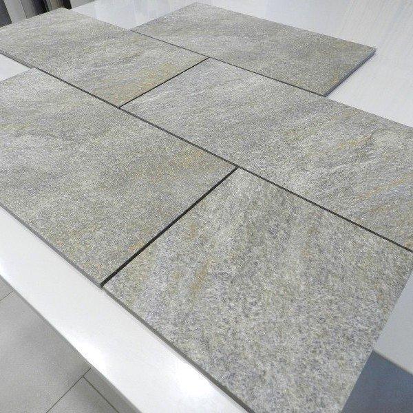 Gres porcellanato effetto pietra Rock 20x20 20x40 R11 per esterni
