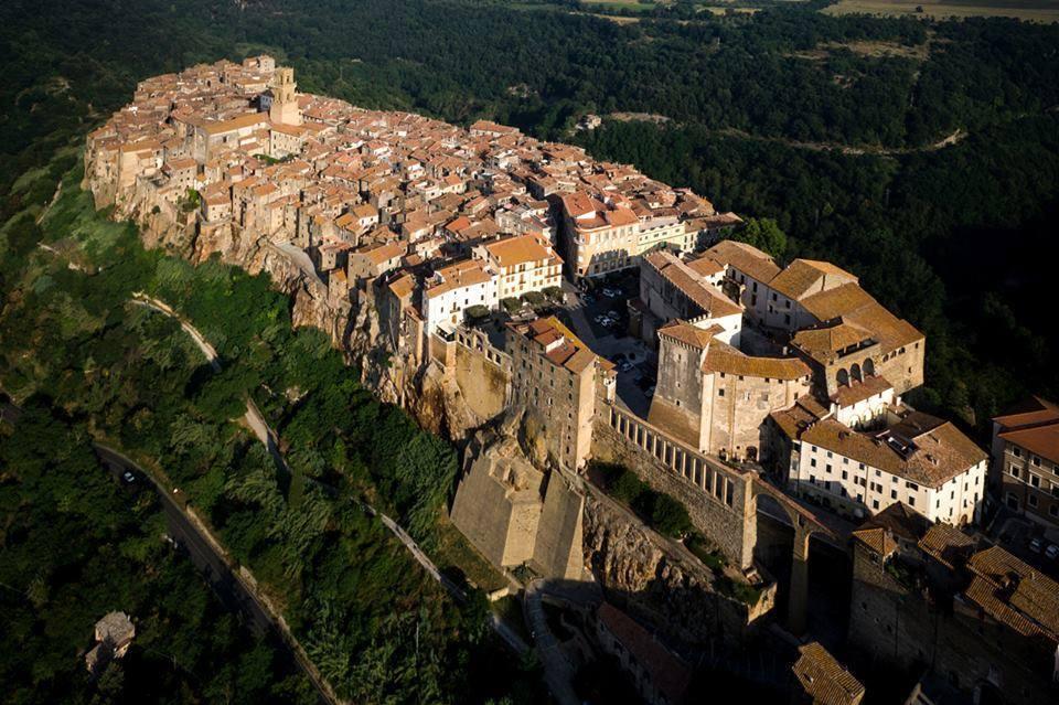 Nelle vicinanze di Borgo Spante Pitigliano