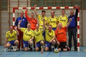 2014 03 09 Heren 1 kampioen 300x200 - Kampioensfeest gaat niet door?!