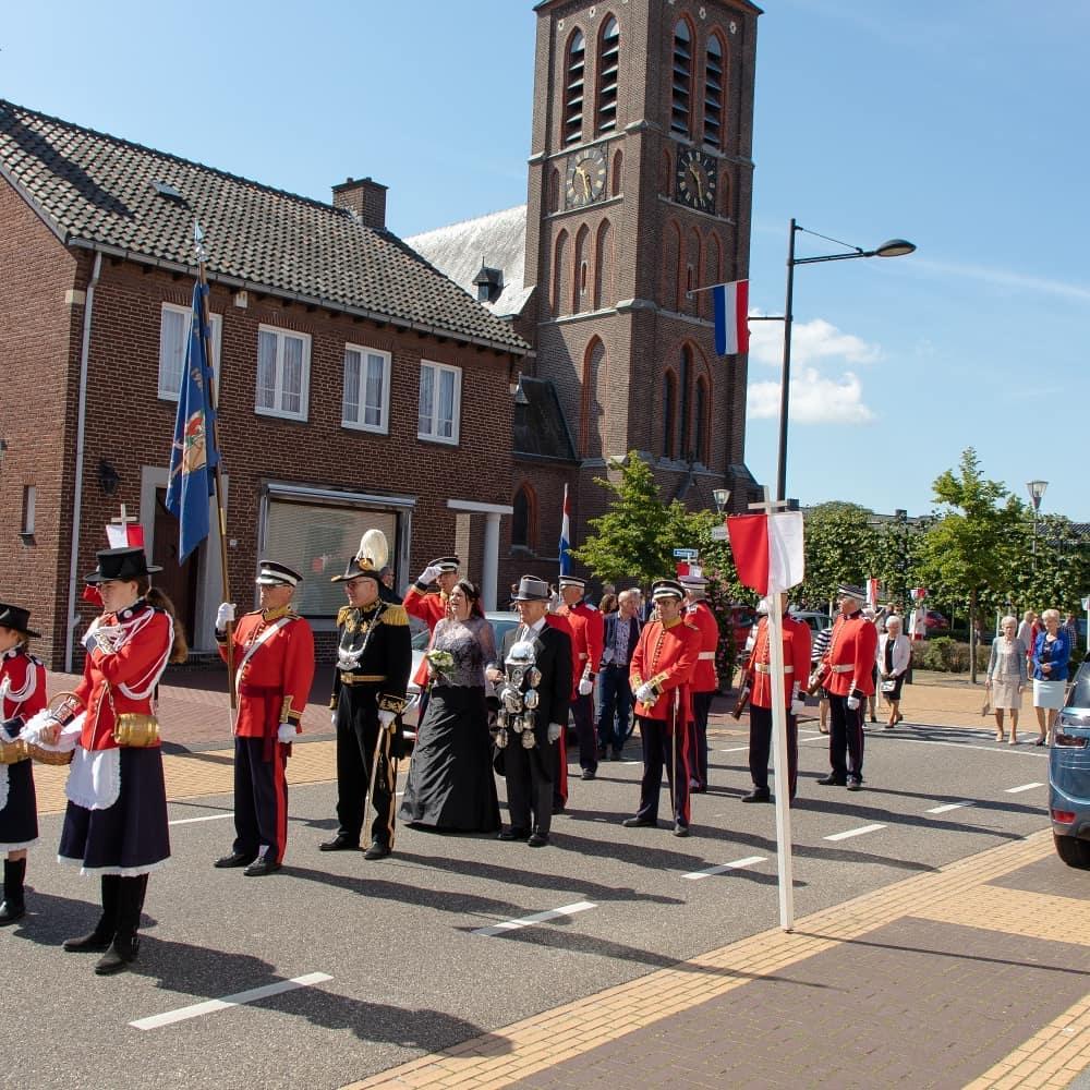 Vandaag trok de jaarlijkse sacramentsprocessie door de straten van Born.  #born #borninbeeld #limburg #limburginbeeld #visitzuidlimburg