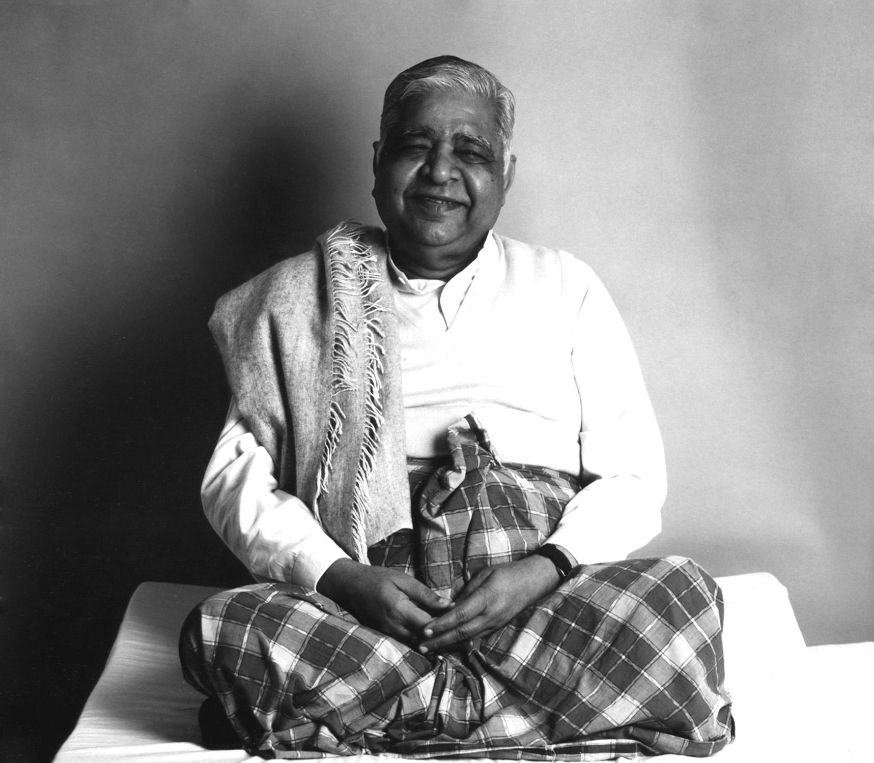 S.N. Goenka Vipassana Meditasyonu Dhamma Boş Ayna