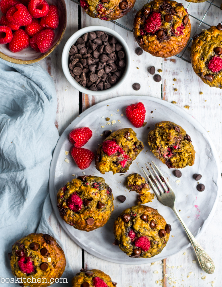 raspberry vegan muffins with chocolate chip