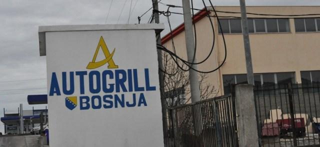 Jedna od najvećih benzinskih pumpi na autoputu Drač - Tirana je ona u vlasništvu Bošnjaka u ataru sela Borak