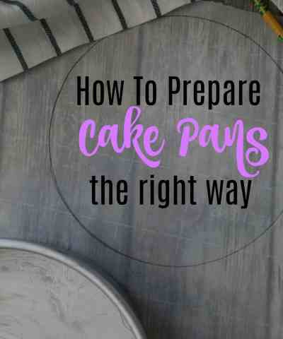 How To Prepare Cake Pans (in 4 easy steps!)