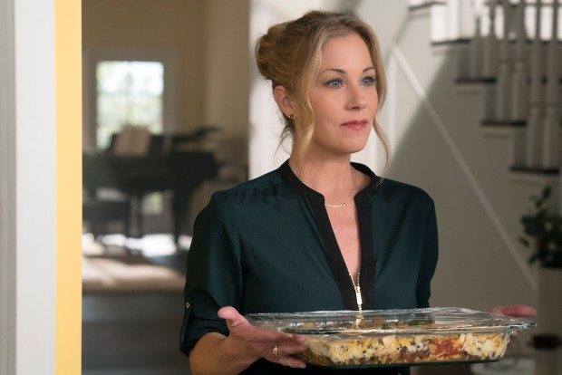 "Christina Applegate, ""Dead to Me"" (Photo: Netflix)."