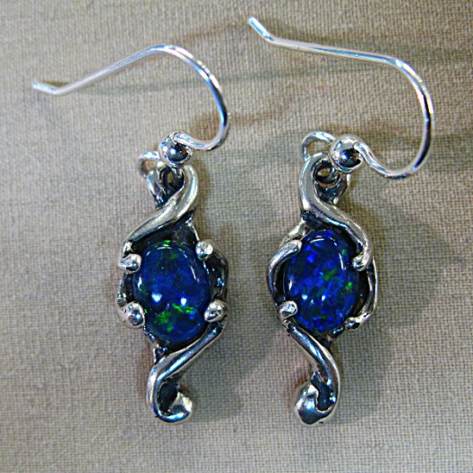 mobius earrings by ronpeckham. photo by terry boswell