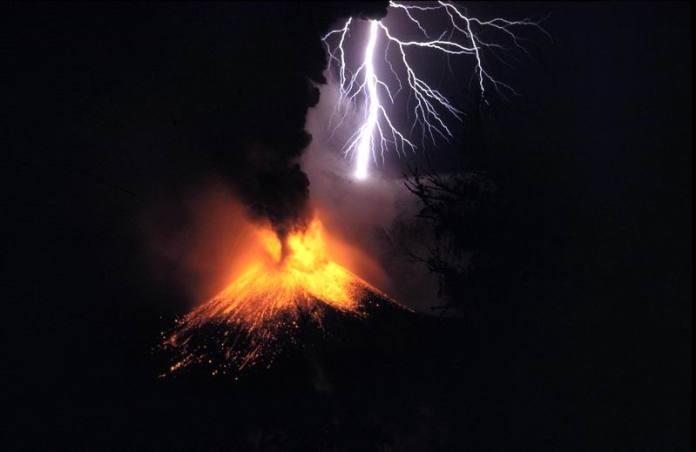 A small eruption of Mount Rinjani