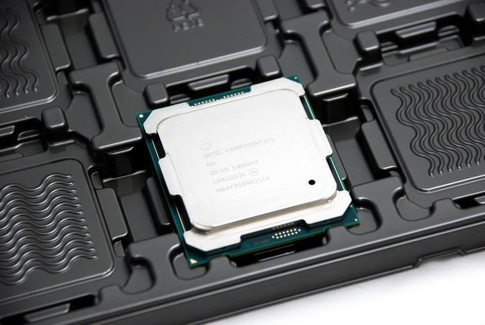 Intel-Core i7-6950X-ES-01