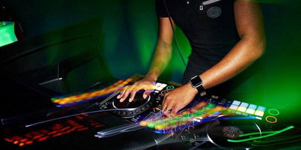 DJ decks Matt Maurice