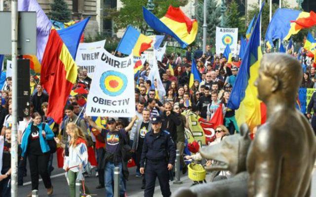 """POLITICAIncredibil! 10 localități din Republica Moldova au semnat pentru UNIRE: """"Declarăm UNIREA imediată şi necondiţionată cu Patria-Mamă"""""""
