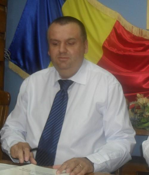 prefectul Adrian Constantinescu