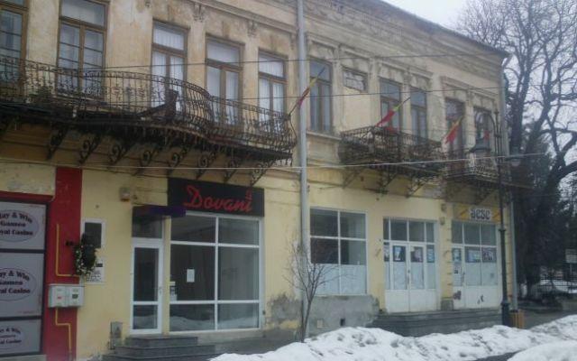 Casa in care s-a nascut Mihai Eminescu se afla langa Biserica Uspenia FOTO Adevarul