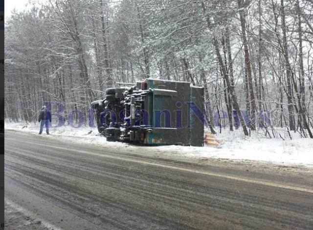 camion rasturnat la Botosani