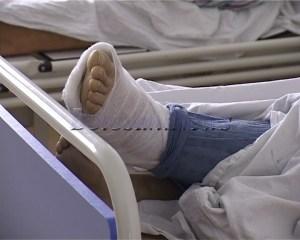 cazuti pe gheata picioare rupte (2)