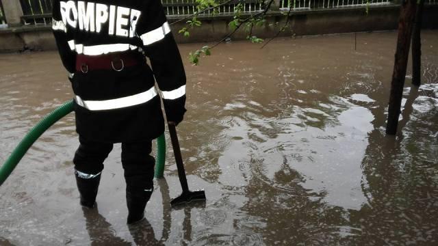 inundatii- pompieri- botosani