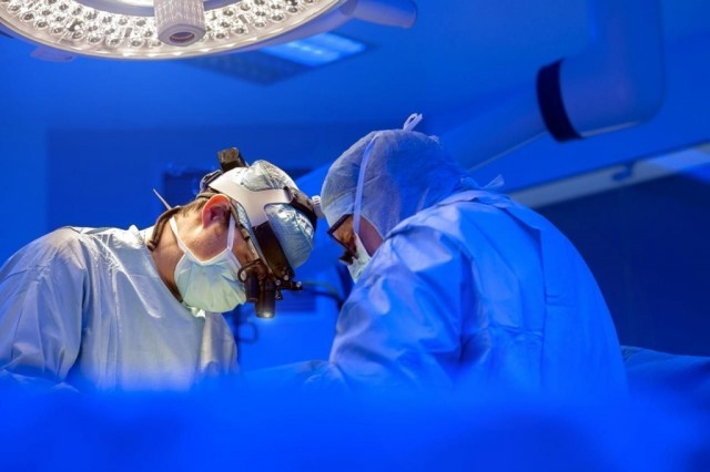 operatie, interventie chirurgicala, stiri, botosani, medici
