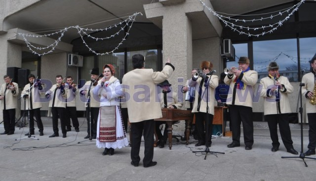 muzica-populara-rapsozii-botosanilor-de-ziua-nationala-003