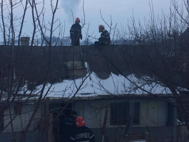 casa incendiu- pompieri botosani