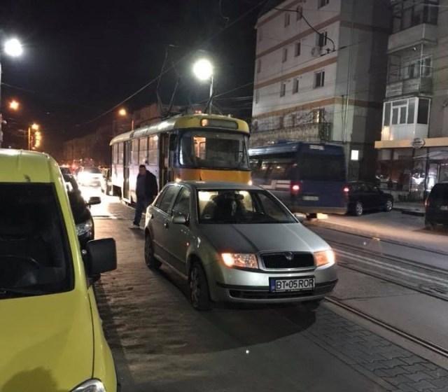 masina care blocheaza tramvaiul, botosani