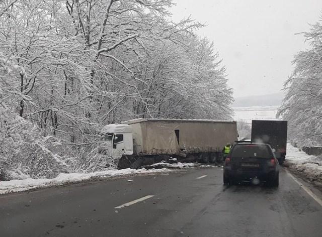 accident, stiri, camion, tir, copalau