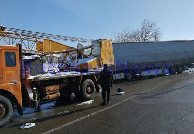 camion rasturnat, stiri, botosani , macara