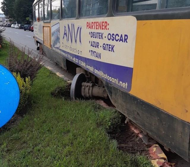 tramvai deraiat la Botosani