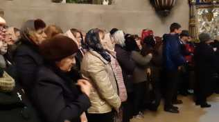 Slujba cu sobor de preoti la Biserica Vovidenia din Botosani (5)