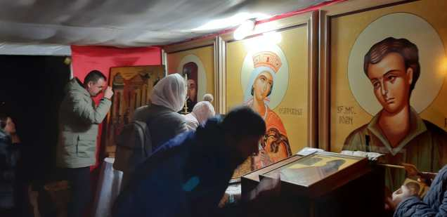 Slujba cu sobor de preoti la Biserica Vovidenia din Botosani (8)