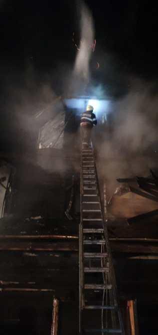 incendiu biserica, stiri, (9)
