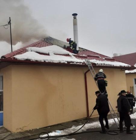 incendiu scoala din Draguseni- botosani (4)
