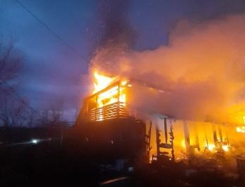 incendiu casa la Bodeasa- Saveni- Botosani (1)