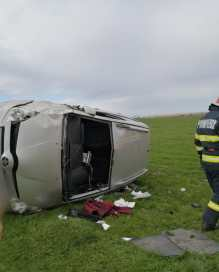 stiri, accident, masina rasturnata (3)