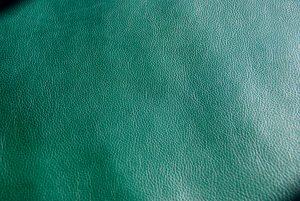 緑のイタリアンレザー