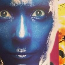 Jeff photobombs a Blue Man