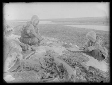 archív fotó két eszkimóval