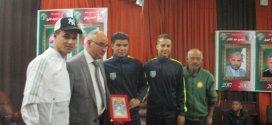 رئيس بلدية بوسعادة عمران لمبارك يكرم لاعبي الاواسط والملاكمة