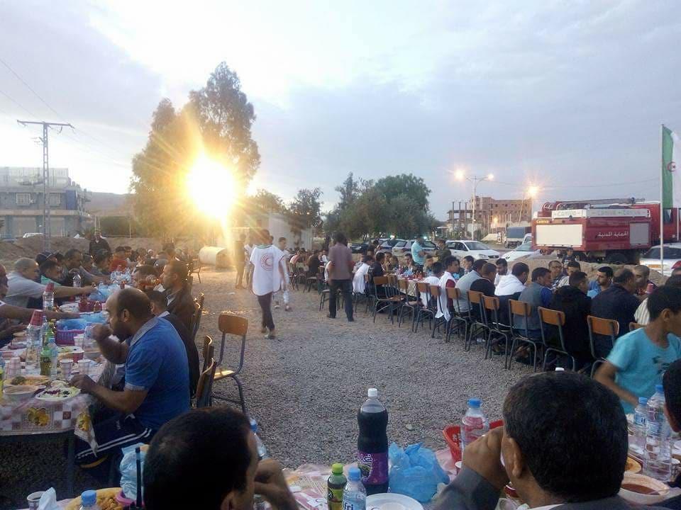 افطار جماعي لأمن دائرة بوسعاد ة عند مفترق طريق الجزائر