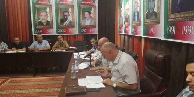 اجتماع رئيس البلدية والدائرة واعضاء المجلس الشعبي البلدي رؤساء المصالح التقنية مع المقاولين وممثلي المقاولين
