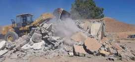 عملية تهديم بناءات فوضوية في حي الباطن في التجزئة الترابية 300قطعة