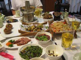 Après les efforts ... le réconfort ... dans un restaurant chinois de Shanghai ...