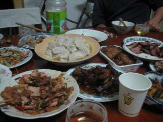 Comment ne pas être en appétit devant ce véritable repas chinois ... il y en a pour tous les goûts ...