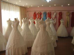 La spécialité de Suzhou ... la fabrication de costumes et de robes de mariées pour le monde entier ...