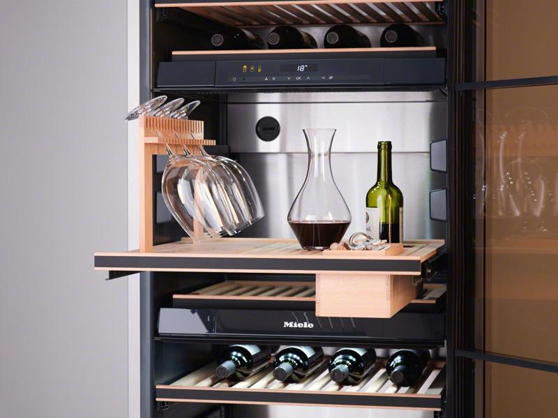 une degustation digne des plus grands crus passe obligatoirement par une mise en temperature ideale de la bouteille en effet un vin trop froid ne revelera
