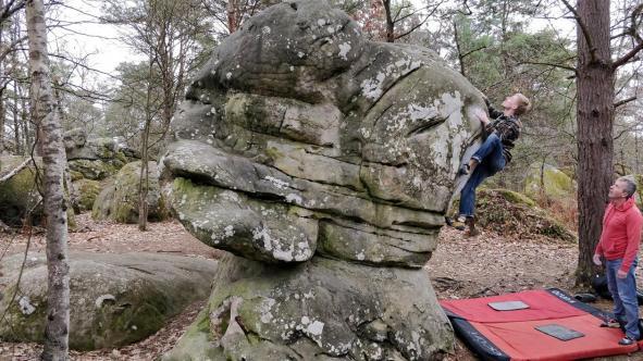 2019-Boulderwelt-Athletenteam-Ausfahrt-Bouldern-Klettern-Felsen-Fontainebleau (105)