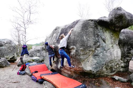2019-Boulderwelt-Athletenteam-Ausfahrt-Bouldern-Klettern-Felsen-Fontainebleau (45)