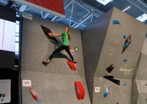 Boulderwelt Youngsters beim Boulder Wettkampf auf der Climb Free