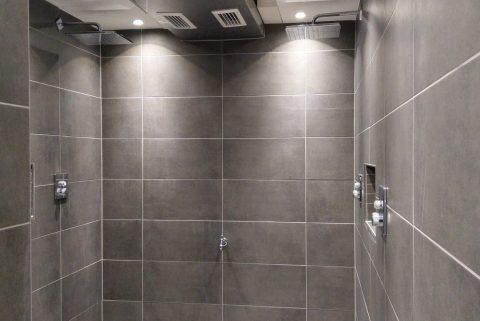 Sanierung neue Duschen Umkleiden Toiletten Boulderwelt Frankfurt