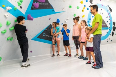 Familienworkshop in der Boulderwelt für motivierte Kinder
