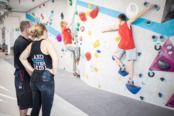 2019-Boulderwelt-München-Ost-Bouldern-Klettern-neue-Halle-Eröffnung-Event-web120-41